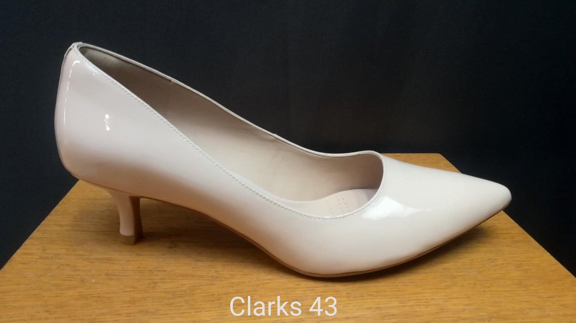 Aseman kenkä - Clarks vaalea 7072a3a767